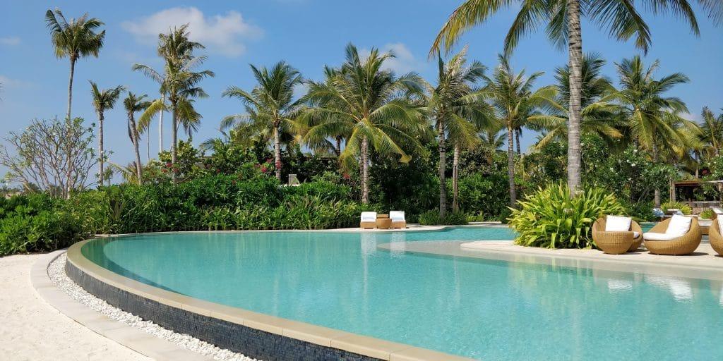 Waldorf Astoria Maldives Ithaafushi Pool 2