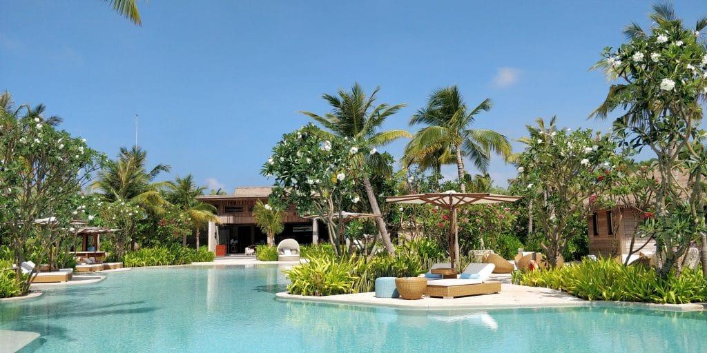 Waldorf Astoria Maldives Ithaafushi Pool 5