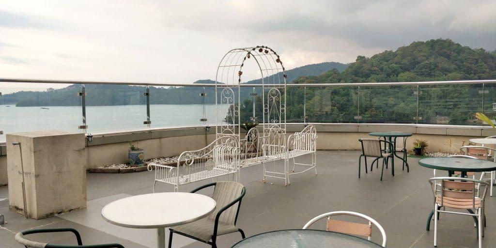 Crystal Resort Sun Moon Lake Dachterrasse