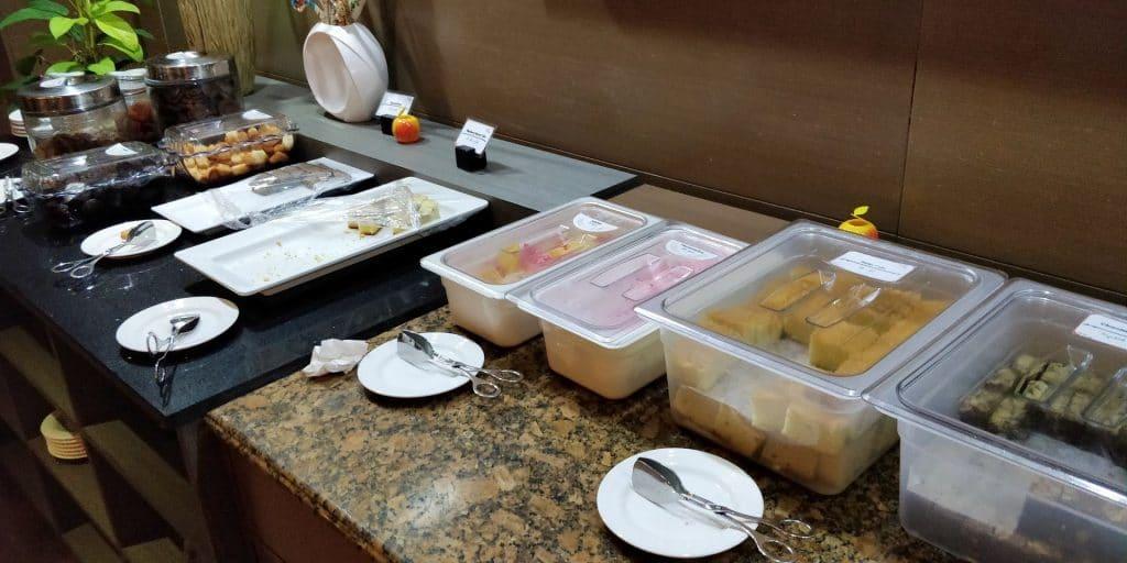 Leeli Lounge Male Buffet 5