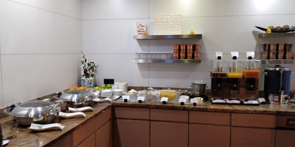 Leeli Lounge Male Buffet 6