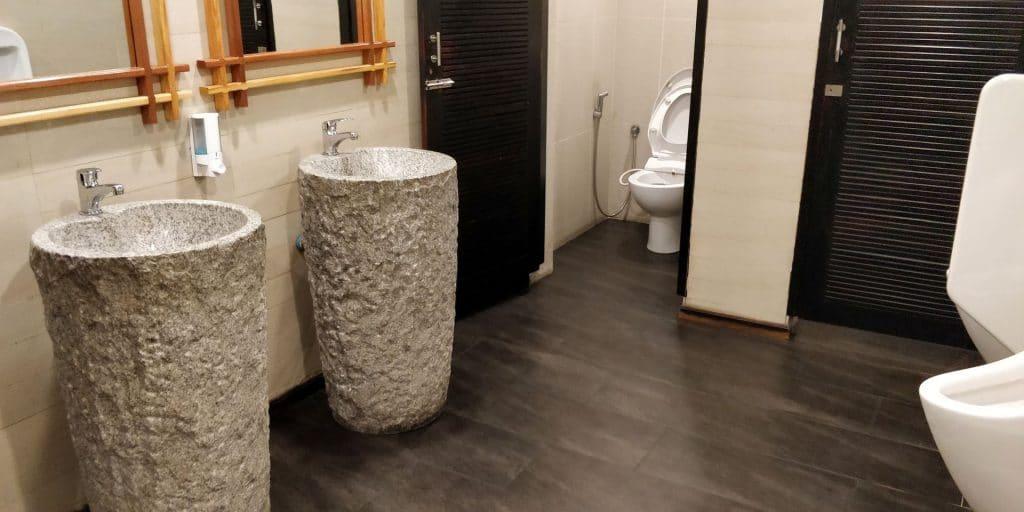 Leeli Lounge Male Toiletten
