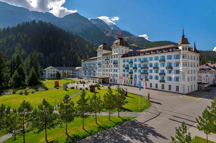 Exklusive-Vorteile-Dinner-kostenfreie-Nacht-im-Grand-Hotel-des-Bains-Kempinski-St-Moritz