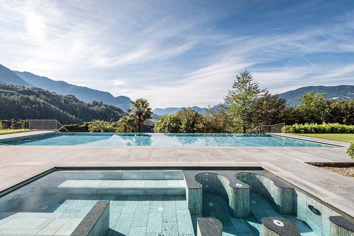 Hotel Hofbrunn Riffian Bei Meran Pool1 ByHannesNiederkofler
