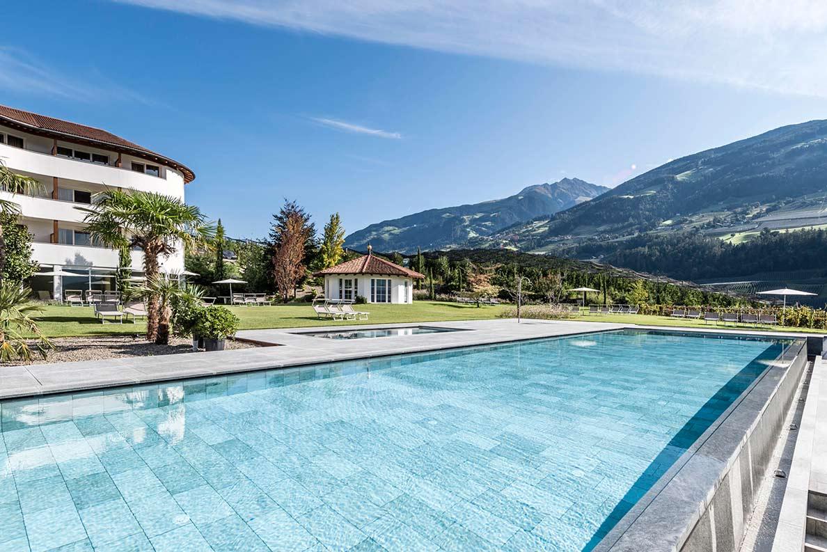 Hotel Hofbrunn Riffian Bei Meran Pool4 ByHannesNiederkofler