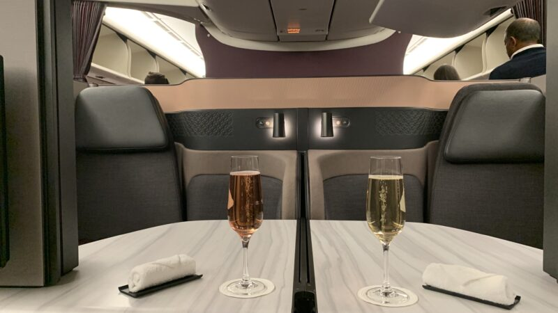 Qatar Airways Qsuite Cahmapgner 800x450