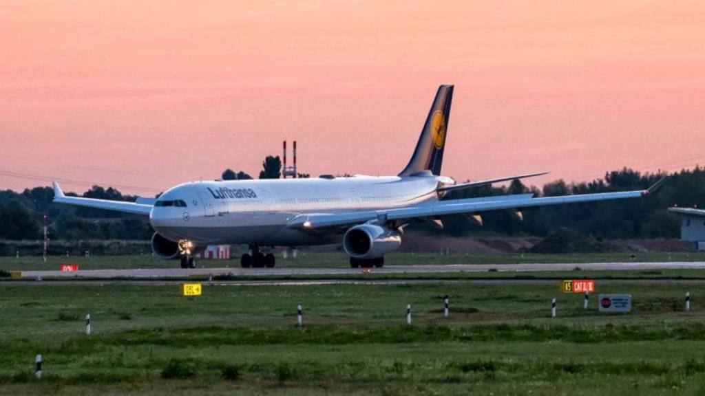 Lufthansa Airbus A330 Sonnenaufgang Sunrise Duesseldorf