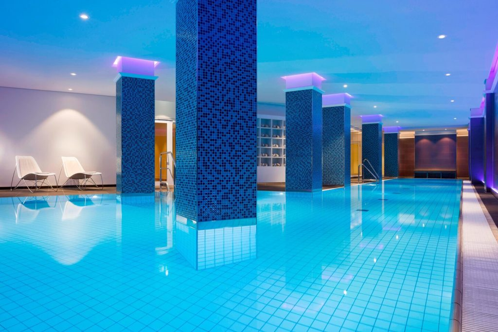 Westin Hamburg Pool