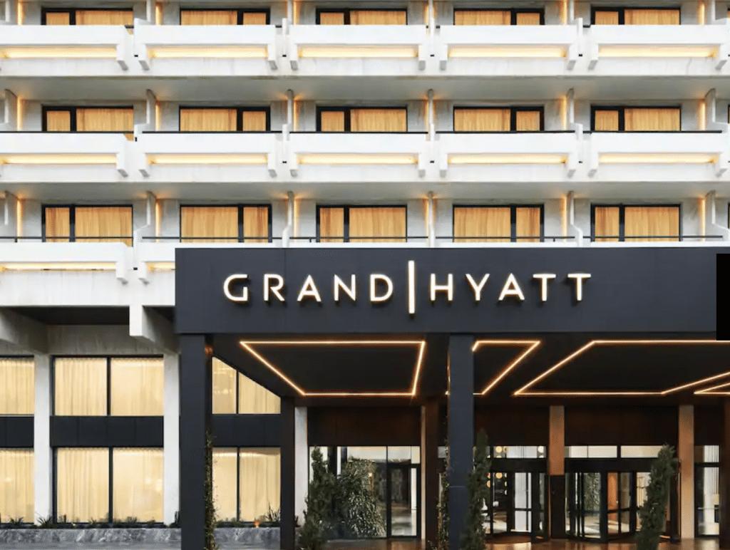 Grand Hyatt Athen Griechenland Eingang 04