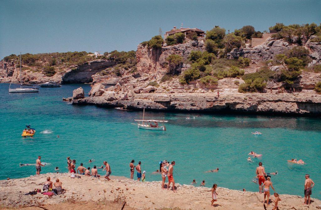Mallorca Balearen Strand Touristen Bucht Meer