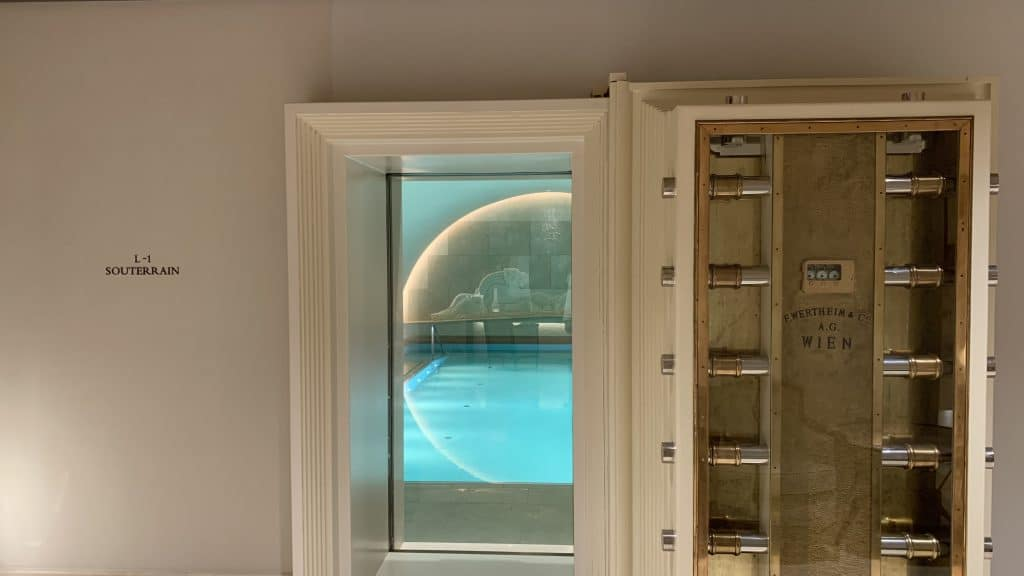 Park Hyatt Wien Pool Safe