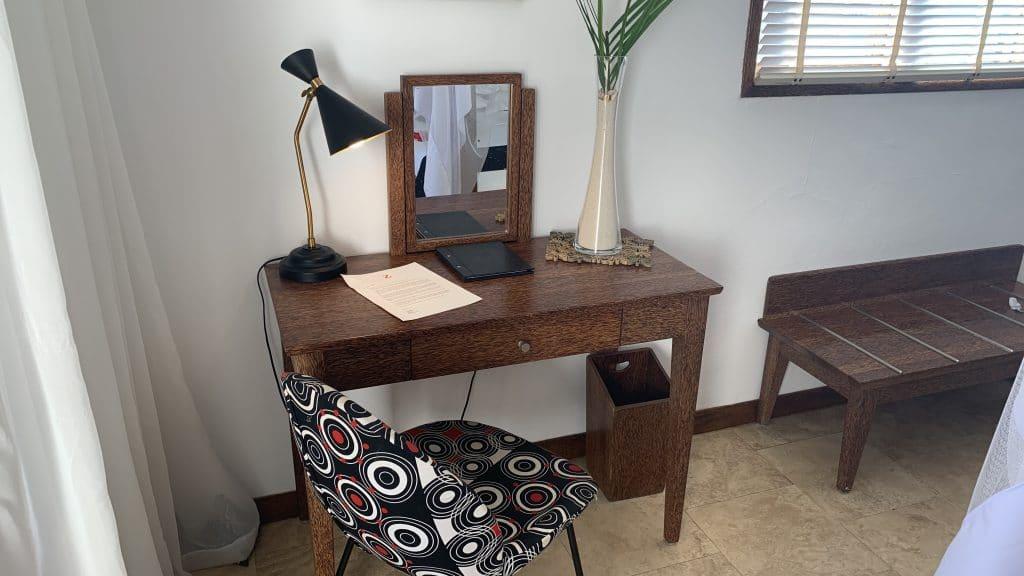 Z Hotel Zanzibar Schreibtisch