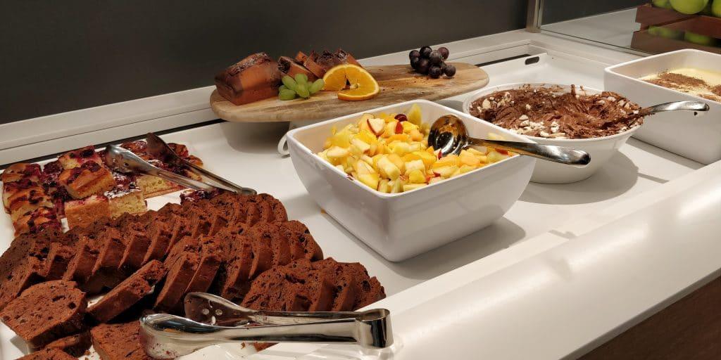 Swiss Senator Lounge Zürich A Buffet
