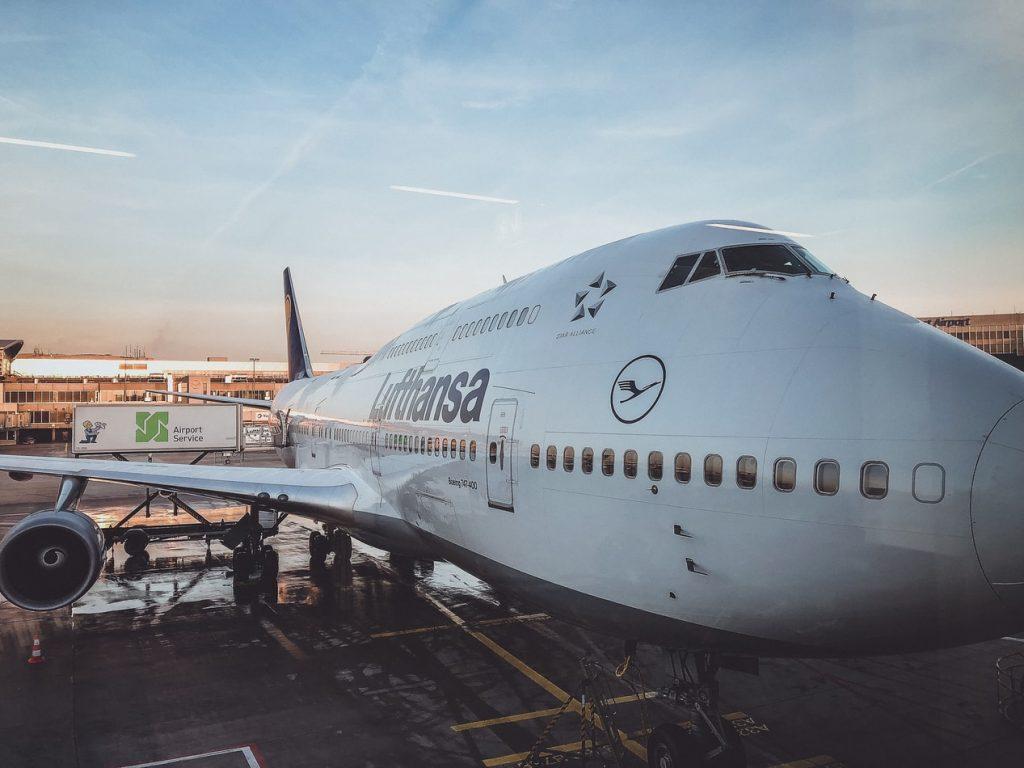 Lufthansa Boeing 747 Flughafen