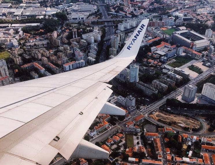 Ryanair Ausblick Stadt Vogelperspektive.jepg