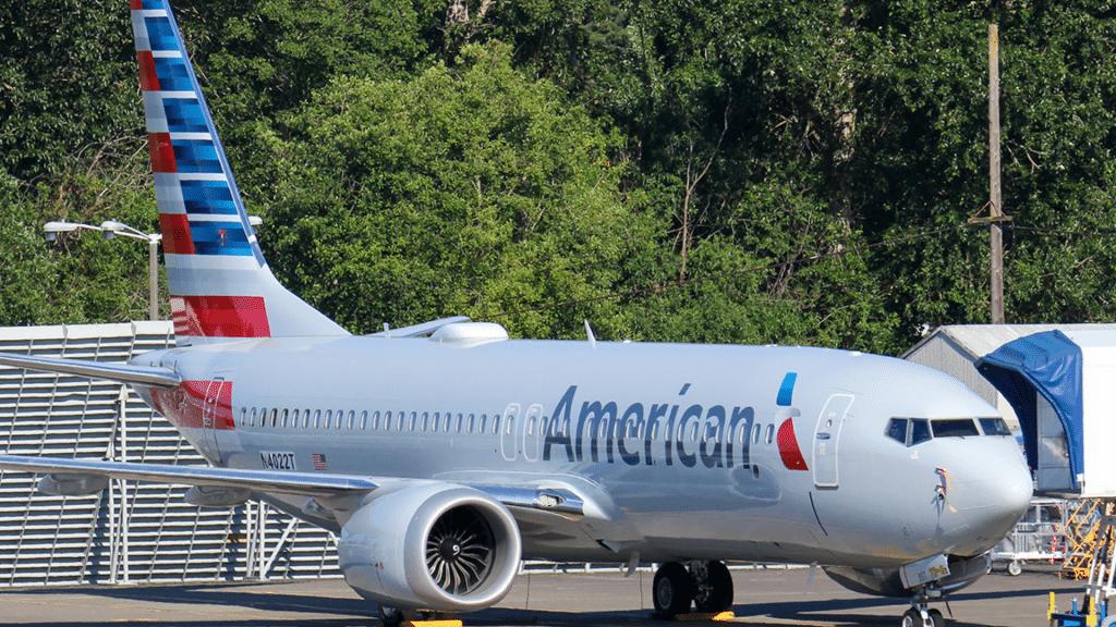 737 MAX AA