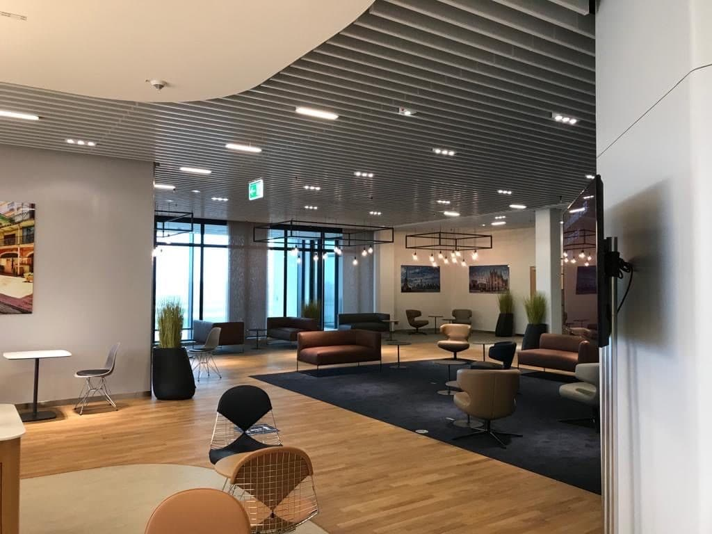 Lufthansa Lounge BER 01 1