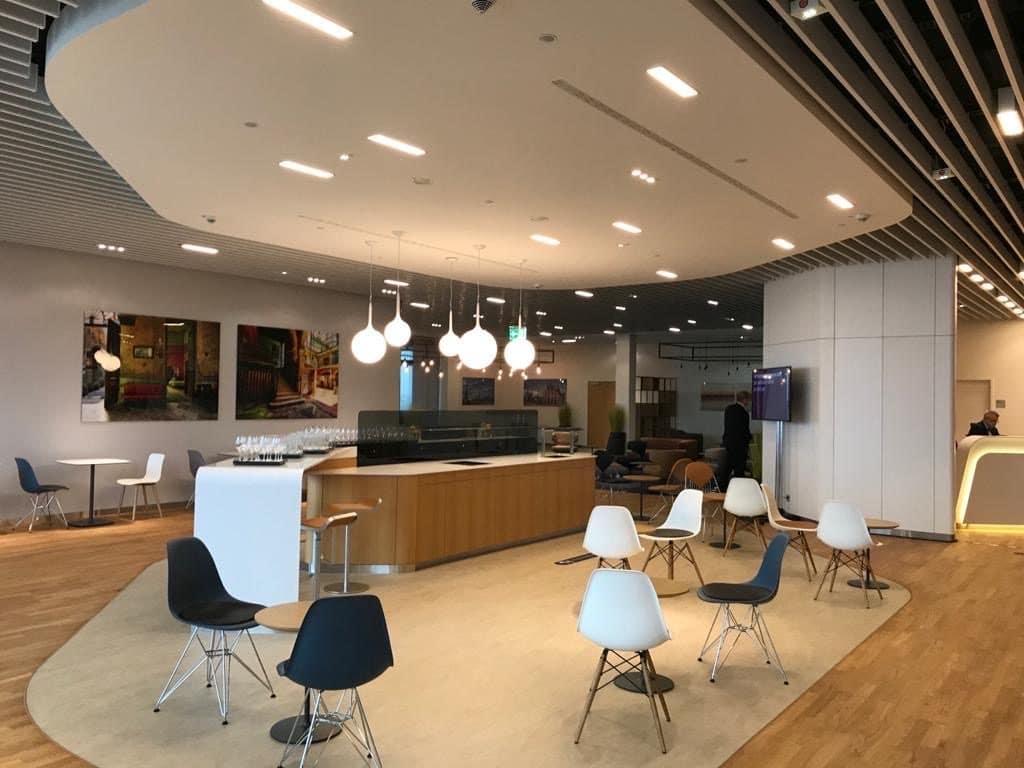 Lufthansa Lounge BER 02