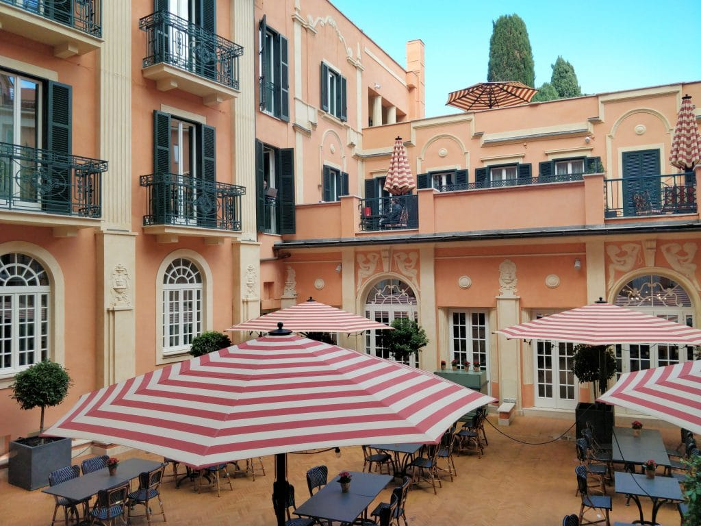 Rocco Forte Hotel De La Ville Rom Innenhof