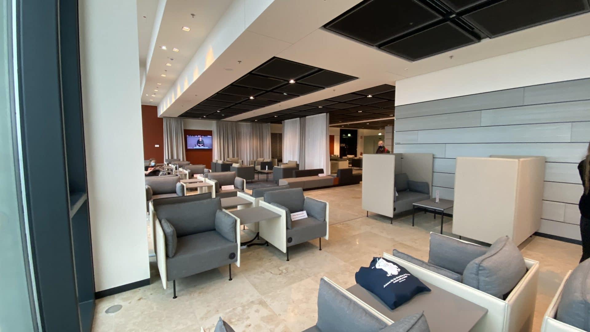 Tempehof Lounge BER 02