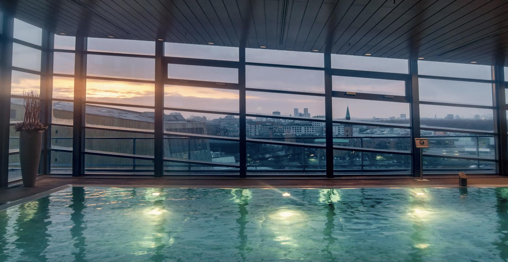Grand Hyatt Berlin Pool, reisetopia Hotel