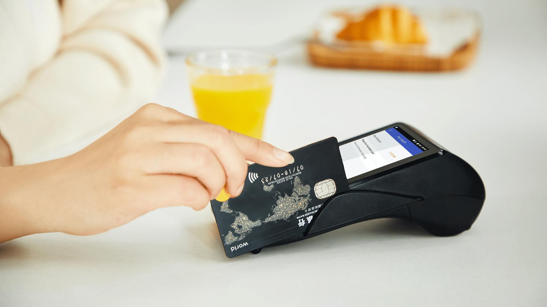 Kreditkarten Vergleich kontaktloses Bezahlen