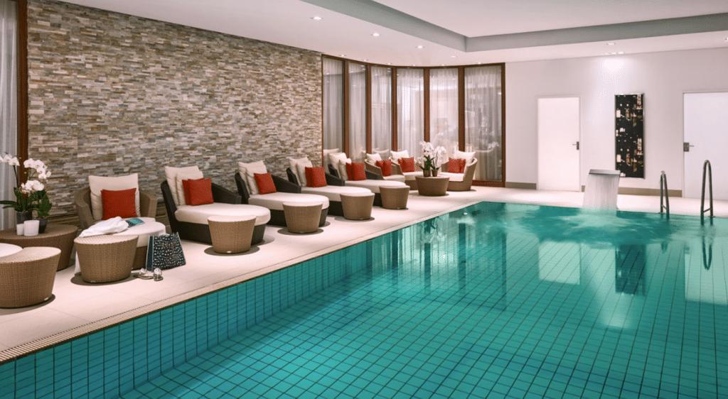 Breidenbacher Hof Düsseldorf Pool