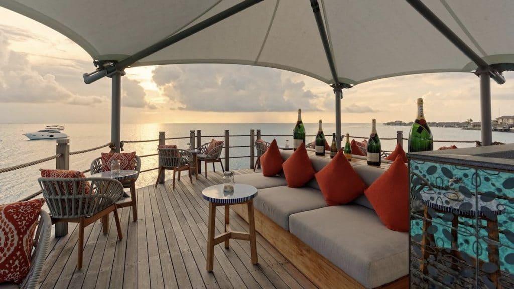 InterContinental Maamunagau Resort, Sunset Bar