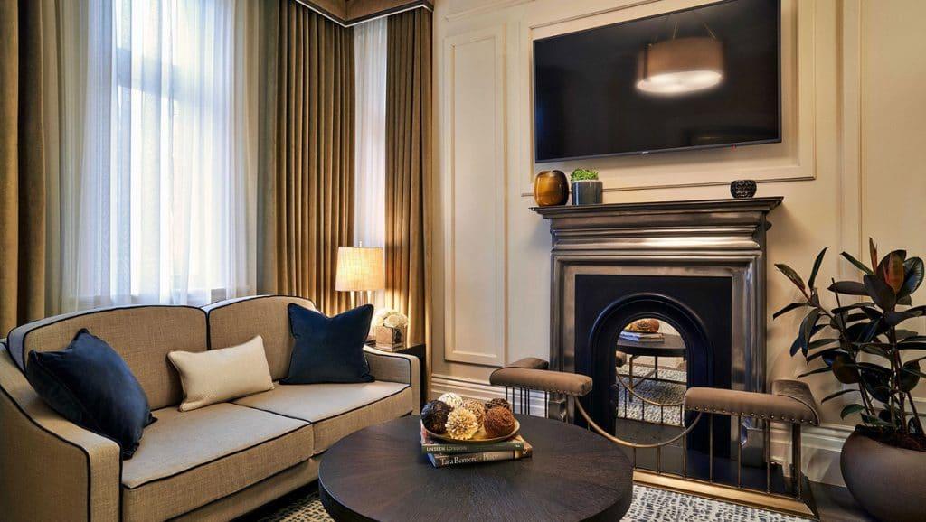Kimpton Fitzroy London Suite Wohnbereich