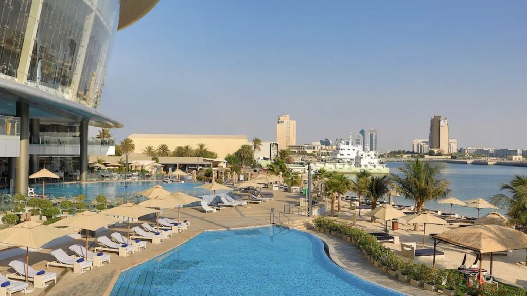 Conrad Abu Dhabi Etihad Towers Pool 2