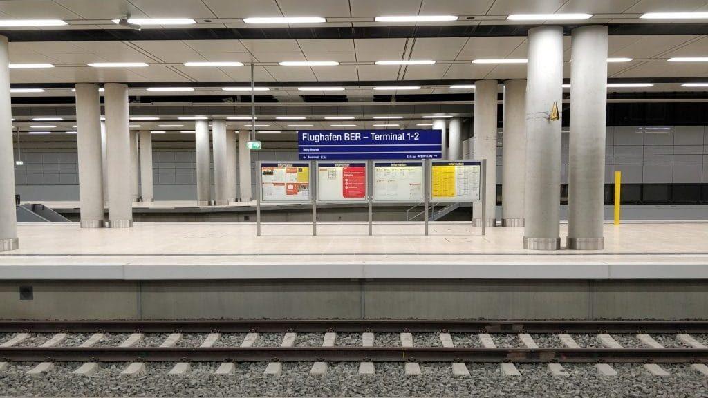 BER Bahnhof Flughafen Berlin 1024x768 Cropped