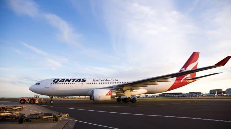 Qantas Airbus 330 200