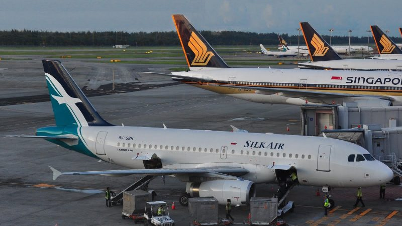SilkAir Singapore Airlines Cropped