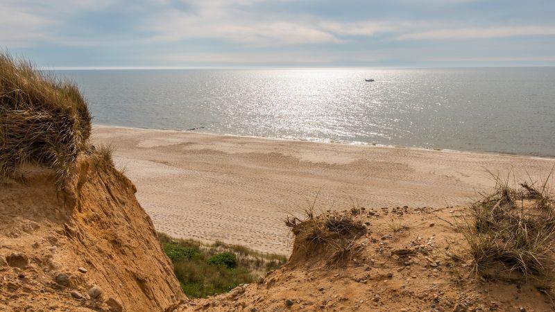 Beach 3473681 1920