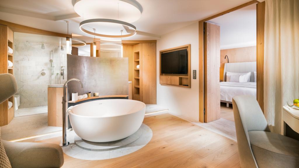 7132 Hotel Vals Spa Suite Badezimmer