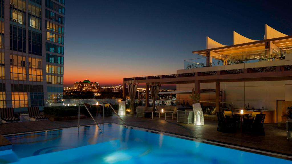 St. Regis Abu Dhabi Pool