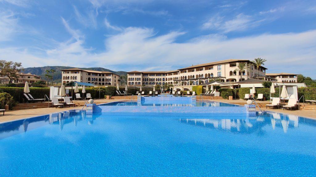 St. Regis Mallorca Mardavall Resort Pool