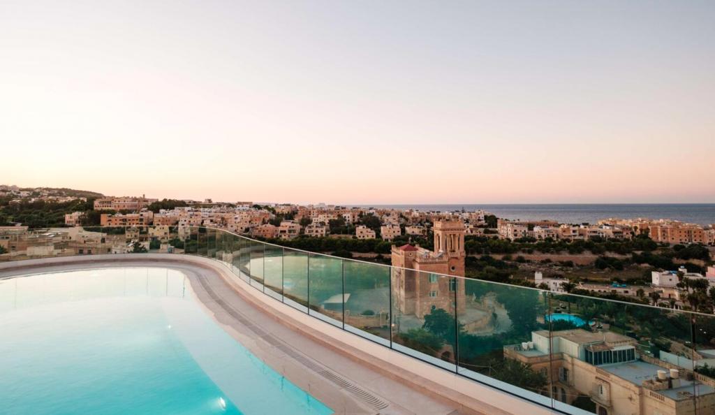 Hyatt Regency Malta, Pool