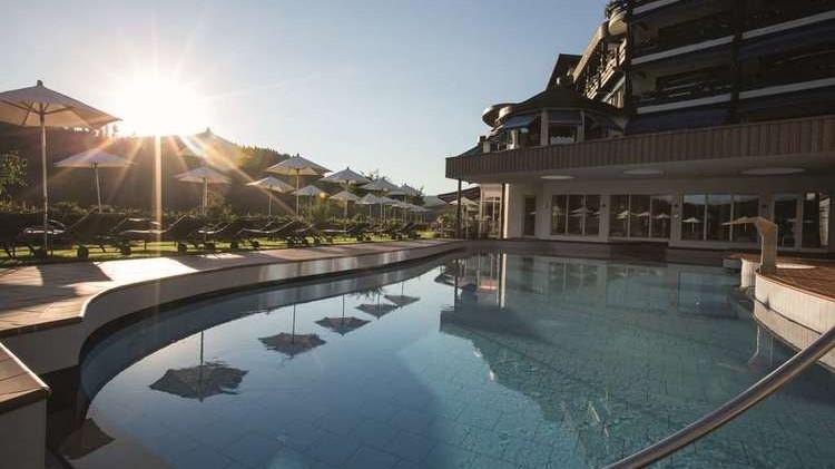 Hotel Traube Tonbach Pool 2