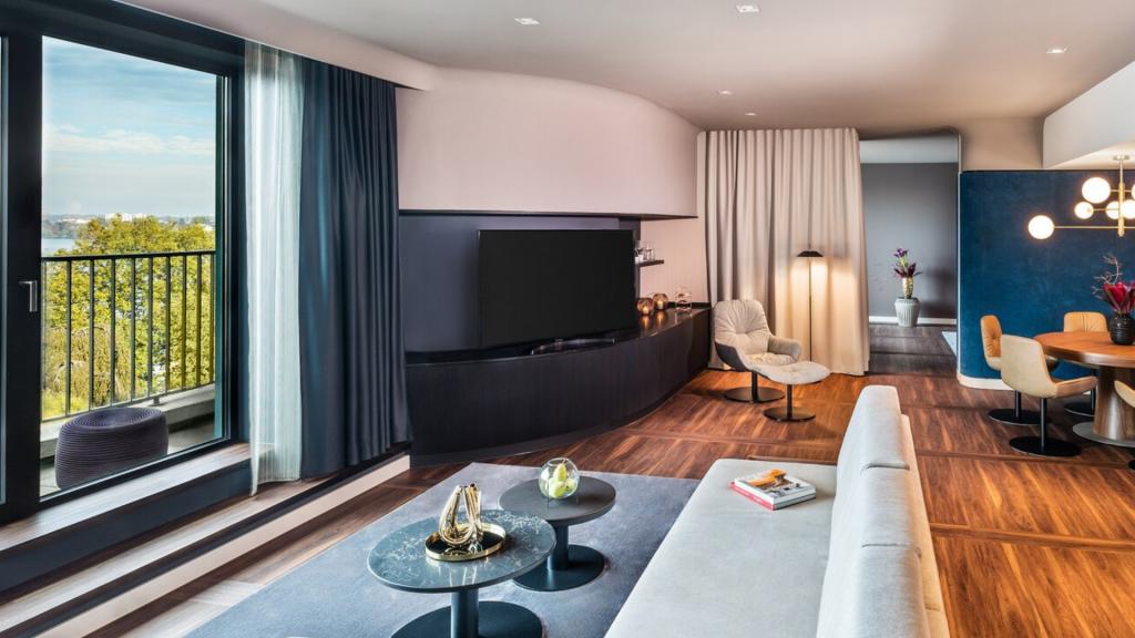 Le Meridien Hamburg Suite Wohnbereich