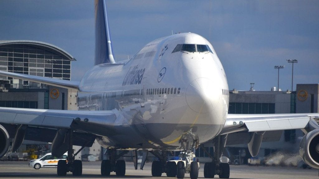 Lufthansa Boeing 747 1024x683 Cropped