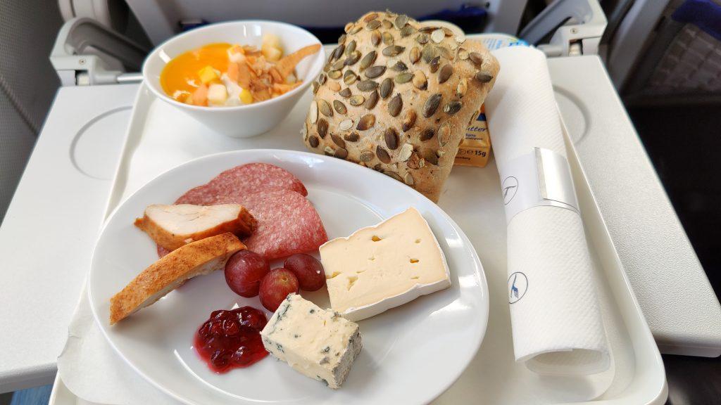 Lufthansa Business Class Frühstück Inlandsflug