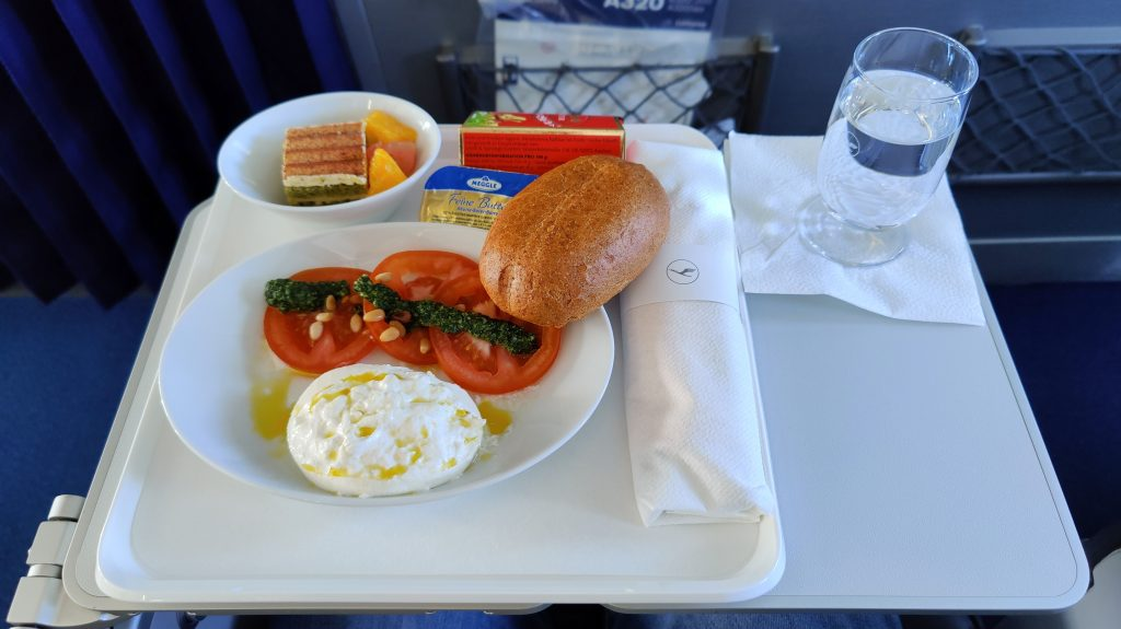 Lufthansa Business Class Mittagessen Inlandsflug