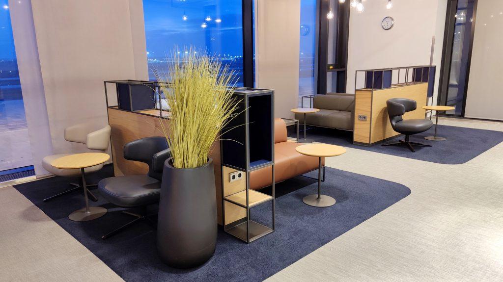 Lufthansa Lounge Berlin Sitzgelegenheiten 12