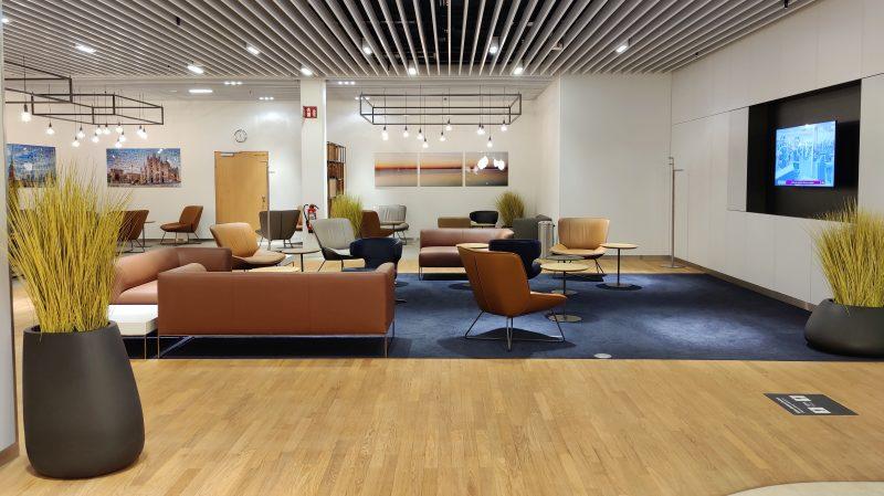 Lufthansa Lounge Berlin Sitzgelegenheiten 14