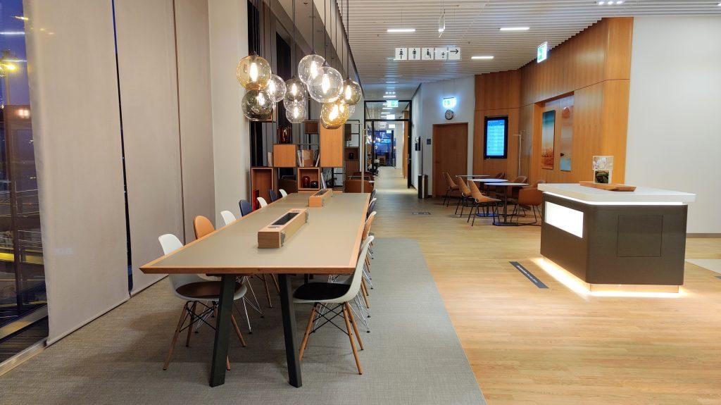 Lufthansa Lounge Berlin Sitzgelegenheiten 8