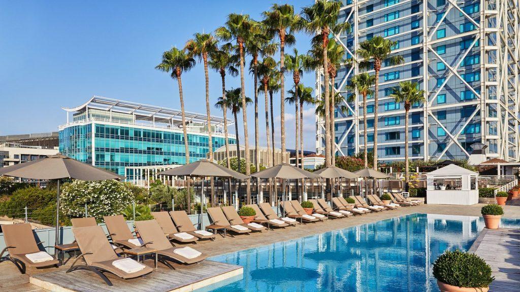 Pool Hotel Arts