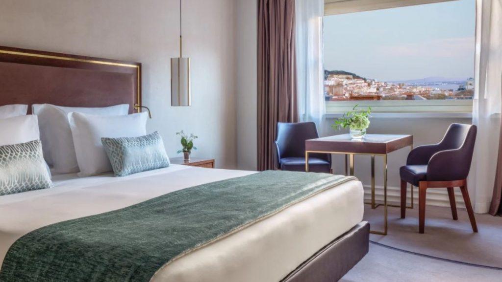 Room Lissabon City View 2
