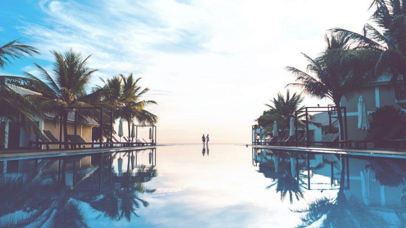 Sri Lanka Hotel Pool (2)