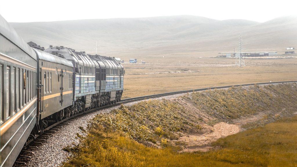 Transsib-Zug in der Mongolei